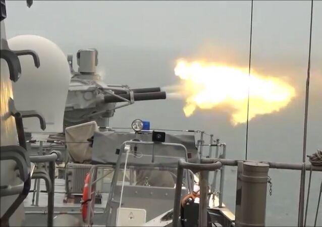 Rusia pone a prueba la nueva fragata Almirante Kasatonov | Vídeo