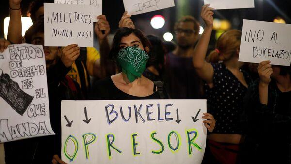Protesta contra el presidente de El Salvador, Nayib Bukele - Sputnik Mundo