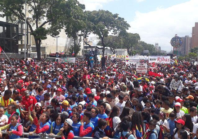 El Día de la Juventud en Caracas