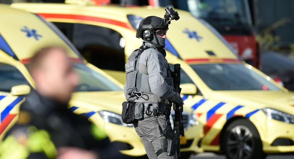 Un policía de Países Bajos