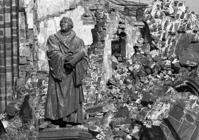 Dresde, destrozada por el bombardeo de 1945