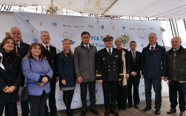 La delegación de Rusia en el velero Kruzenshtern en Ushuaia - Sputnik Mundo