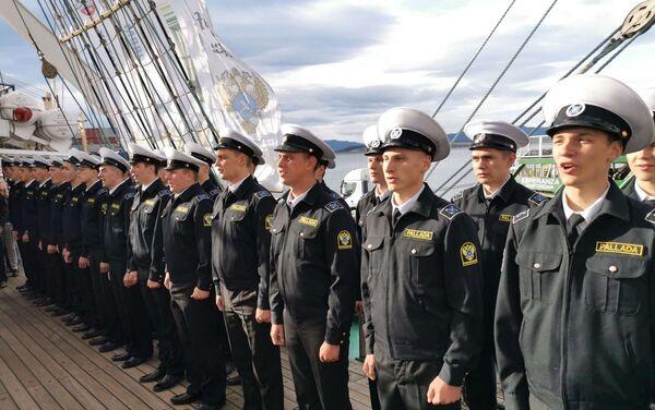 Tripulación del velero Pallada - Sputnik Mundo