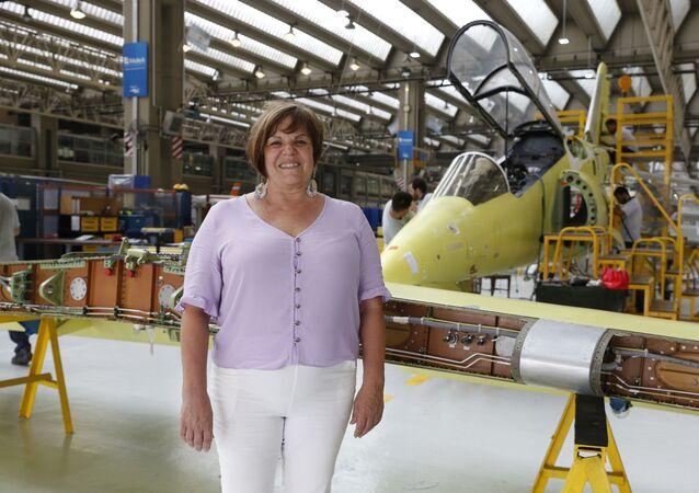 Mirta Iriondo, primera mujer a la cabeza de la Fabrica Argentina de Aviones
