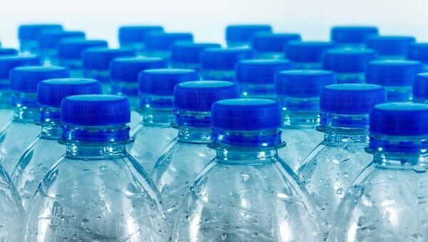 Botellas de plástico - Sputnik Mundo