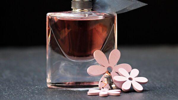 Un perfume - Sputnik Mundo