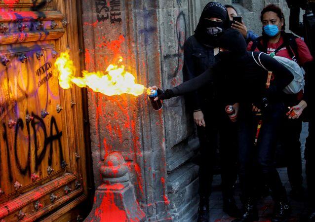Protestas contra feminicidios en México