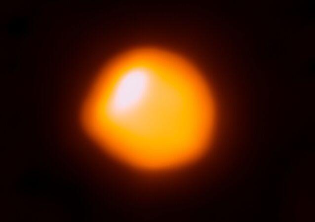 Betelgeuse, estrella supergigante roja