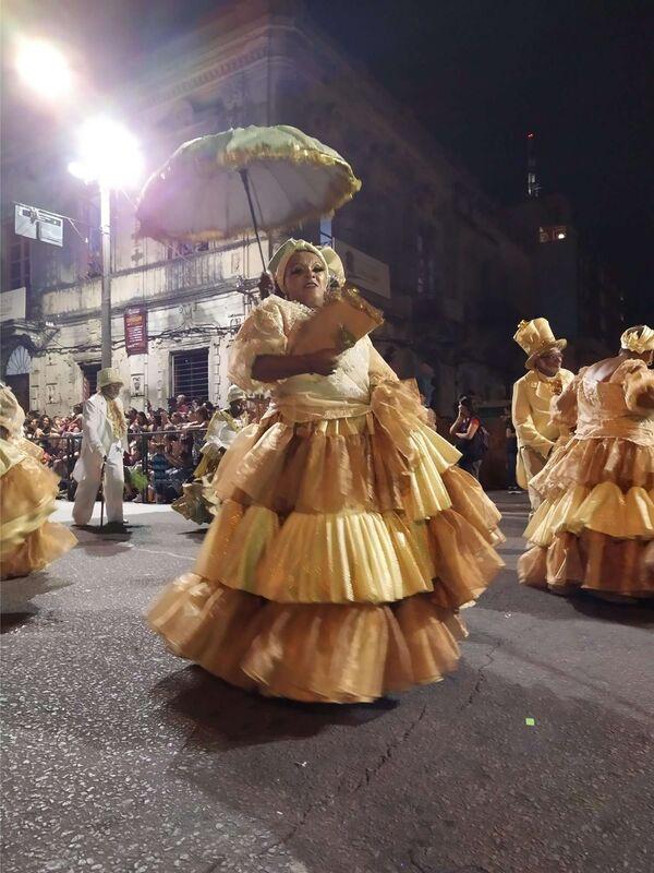 A ritmo del candombe, Montevideo vibró con su tradicional 'desfile de llamadas' - Sputnik Mundo