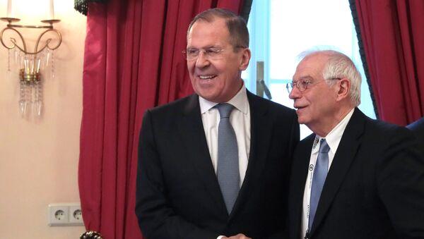 Сanciller ruso, Serguéi Lavrov, y alto representante de la Unión Europea, Josep Borrell - Sputnik Mundo