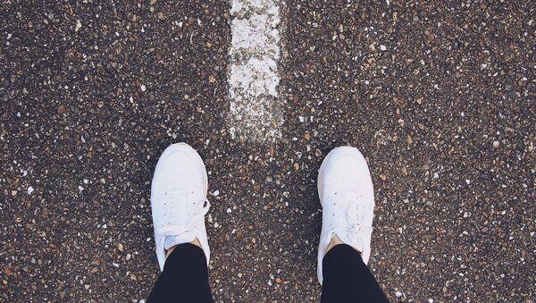 Unas zapatillas deportivas - Sputnik Mundo