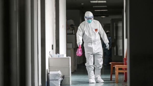 El personal médico de uno de los hospitales de Wuhan  - Sputnik Mundo