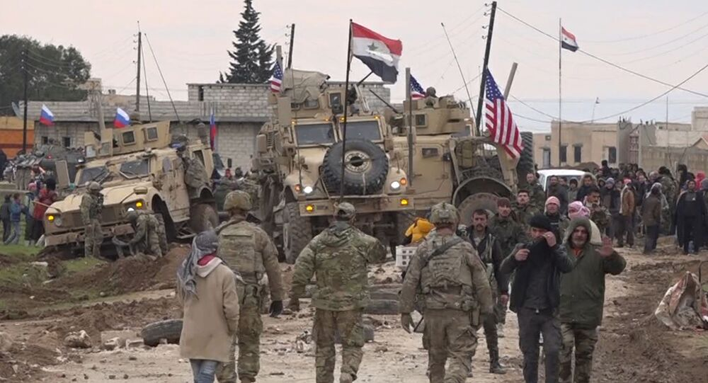 El convoy militar de EEUU cerca de la aldea de Khirbet Ammo