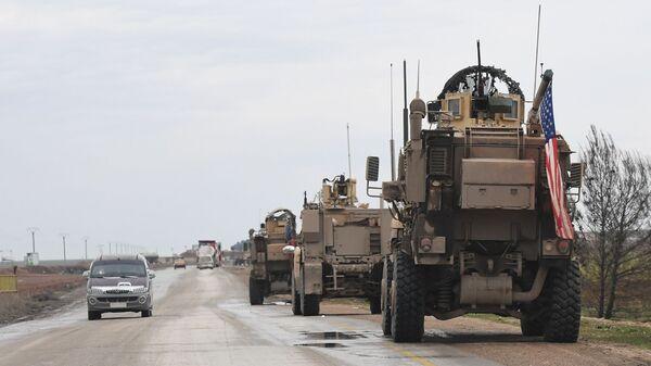 Un convoy militar de EEUU en Siria (archivo) - Sputnik Mundo