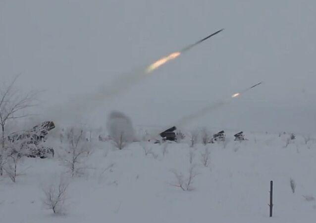 Los artilleros rusos ponen a prueba los lanzacohetes múltiples Grad modernizados
