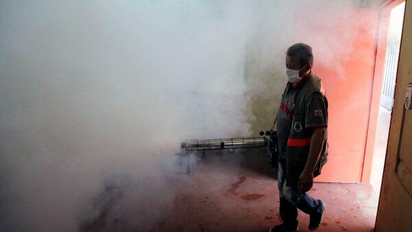 Fumigación por la emergencia sanitaria por dengue en Paraguay  - Sputnik Mundo