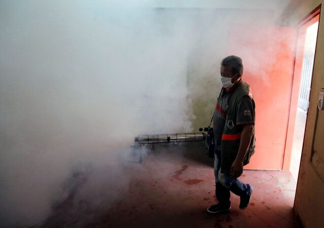 Fumigación por la emergencia sanitaria por dengue en Paraguay