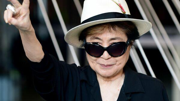 Yoko Ono, segunda esposa de John Lennon - Sputnik Mundo