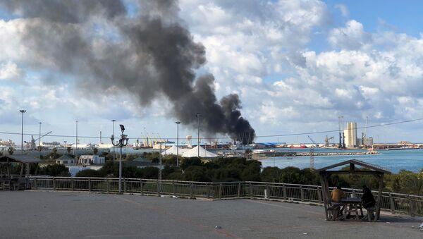 El puerto de Trípoli, Libia, tras el ataque - Sputnik Mundo