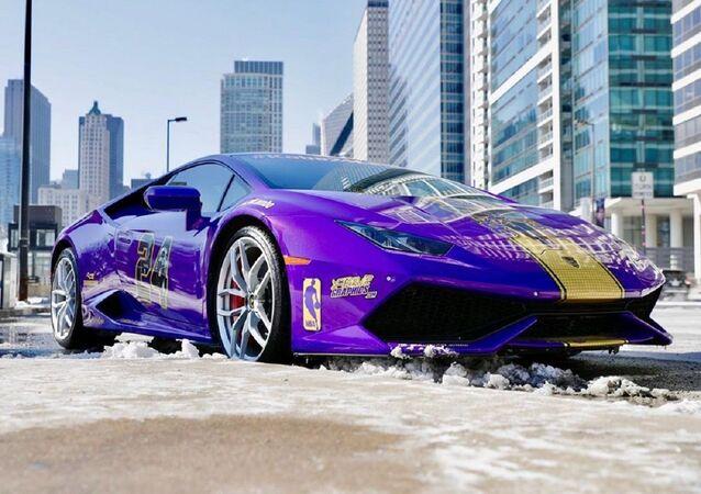 Lamborghini tuneado en honor a Kobe Bryant