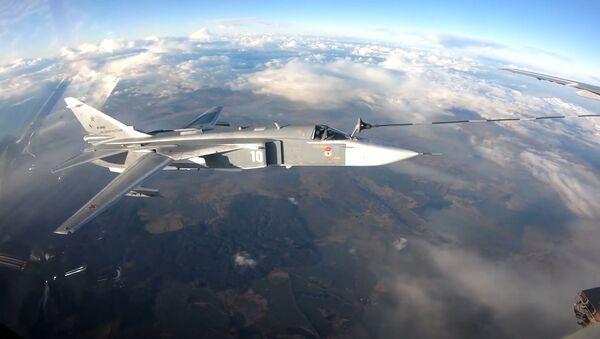 Un Il-78 reposta varios cazas y bombarderos en un vuelo - Sputnik Mundo