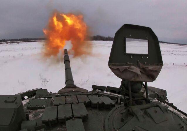 El modernizado tanque ruso T-72 se pone a prueba
