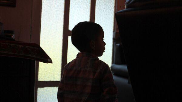 Rodrigo, quien quedó al cuidado de sus abuelos, luego de que su padre, asesinará a  Verónica Guadalupe, madre del menor - Sputnik Mundo
