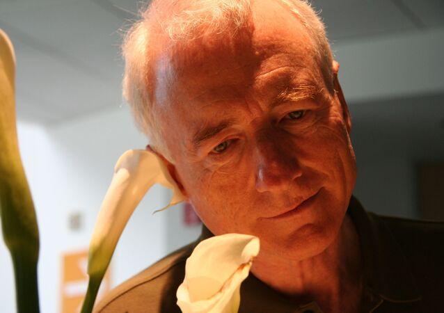 Larry Tesler, científico informático estadounidense