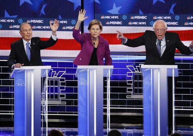 De izquierda a derecha, los candidatos presidenciales demócratas, Mike Bloomberg, Elizabeth Warren, Bernie Sanders