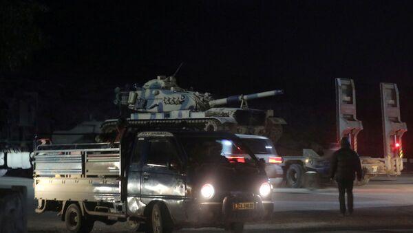 Blindados turcos en Idlib, Siria - Sputnik Mundo