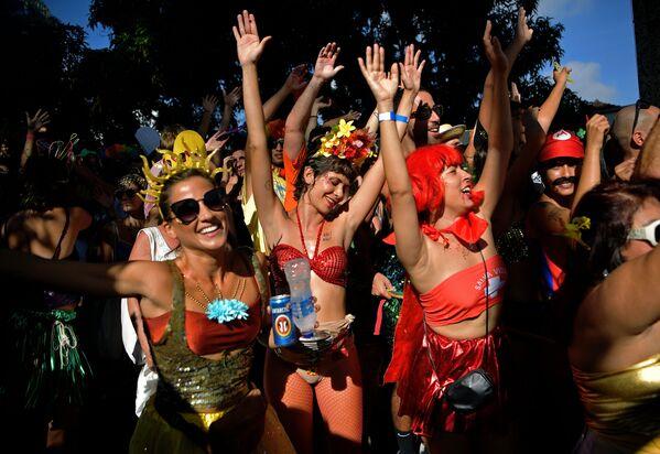 Semana de carnavales y festivales: las fotos más llamativas de la semana - Sputnik Mundo