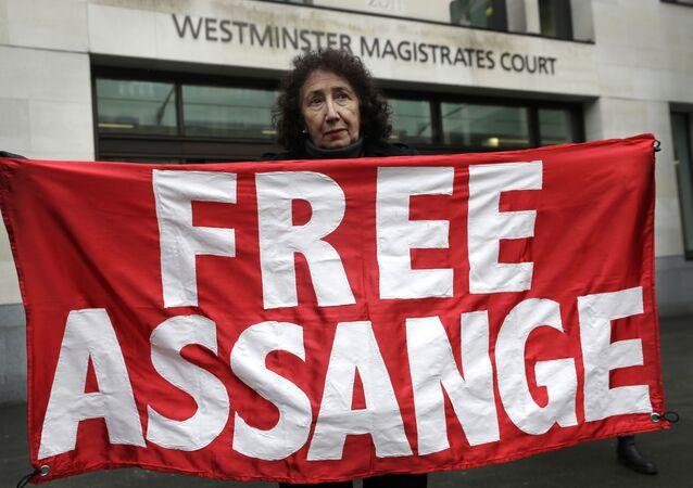 Una protesta contra la extradición de Julian Assange
