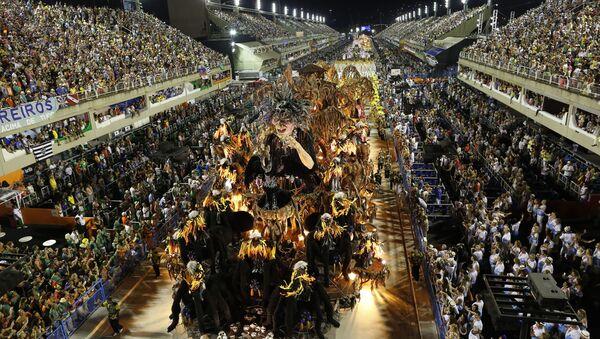 El desfile de Sao Clemente en Brasil - Sputnik Mundo