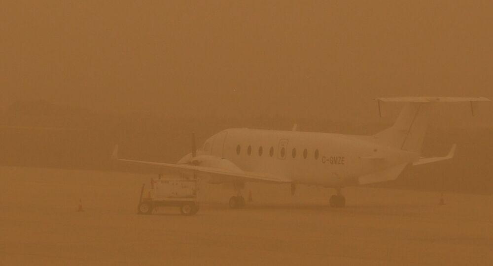 Tormenta de arena en el aeropuerto de Las Palmas de Gran Canaria