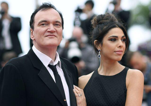 El director Quentin Tarantino junto a su esposa, Daniella Pick