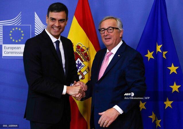Pedro Sánchez y Jean-Claude Juncker en Bruselas