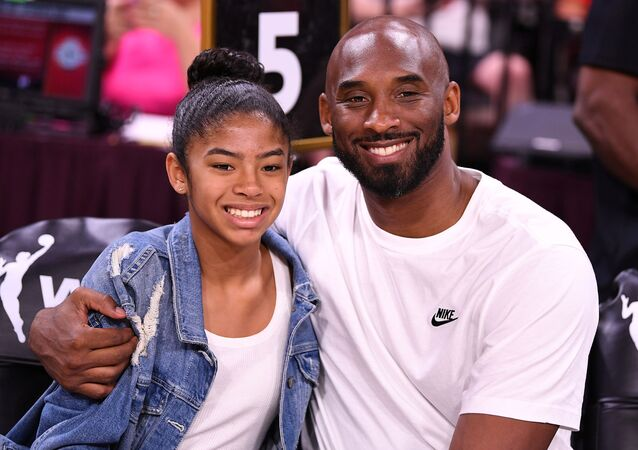 Kobe Bryant, jugador de baloncesto, y su hija, Gianna (archivo)
