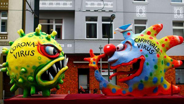 Figuras de coronavirus y 'carnaval virus' en Dusseldorf, Alemania - Sputnik Mundo