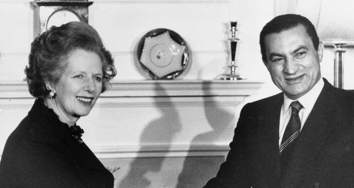 Hosni Mubarak y la primera ministra británica, Margaret Thatcher