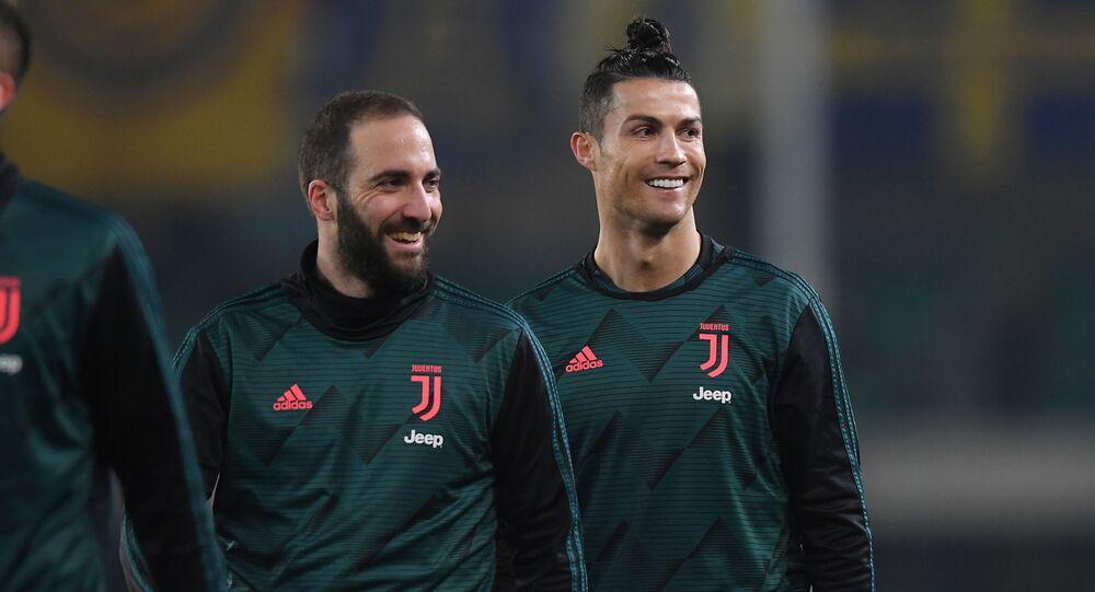 Gonzalo Higuaín y Cristiano Ronaldo, jugadores de la Juventus
