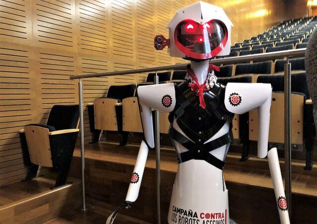 El robot María, mascota argentina de la Campaña para Detener los Robots Asesinos