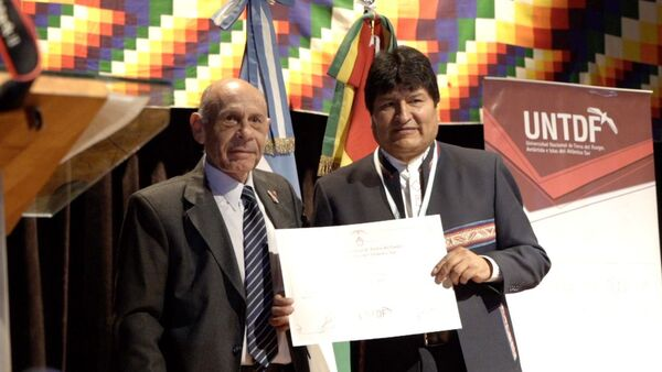 Evo Morales recibe el título de doctor honoris causa de la Universidad Nacional de Tierra del Fuego - Sputnik Mundo