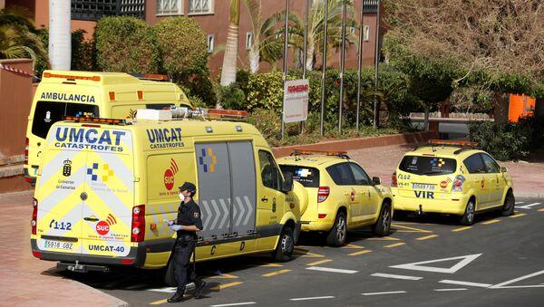 Ambulancias en Adeje, España - Sputnik Mundo
