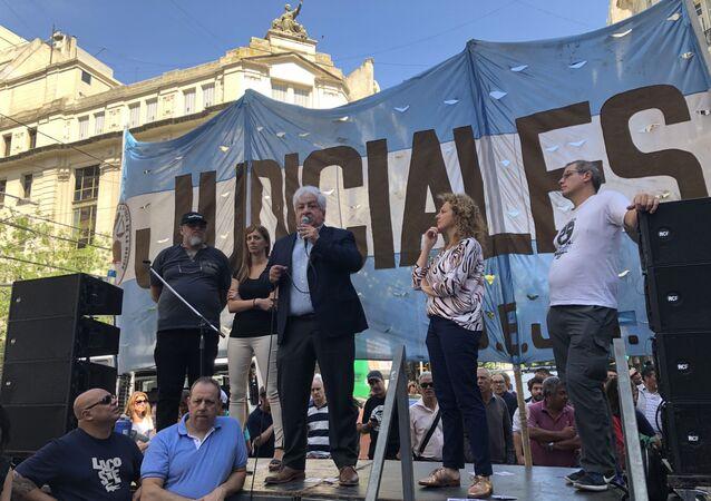Julio Piumato, histórico dirigente de la Unión de Empleados de la Justicia de la Nación (UEJN), criticó el proyecto de ley.
