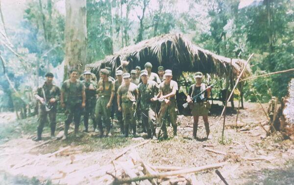 Soldados peruanos durante la guerra del Cenepa - Sputnik Mundo