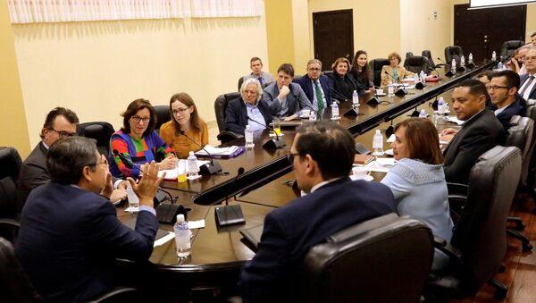 Una delegación del Parlamento Europeo en Honduras - Sputnik Mundo