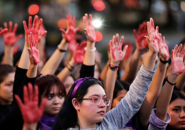 Protesta contra la violéncia machista y los feminicidios en Puebla, México
