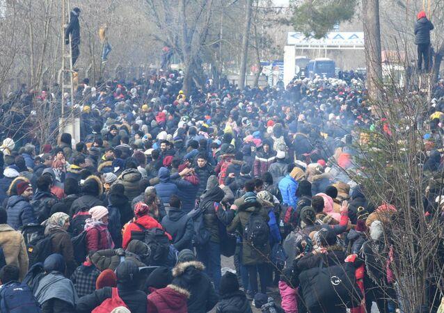 Refugiados sirios en la frontera de Turquía con Grecia