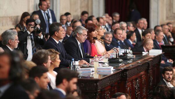 Alberto Fernández durante el discurso ante la Asamblea Legislativa - Sputnik Mundo
