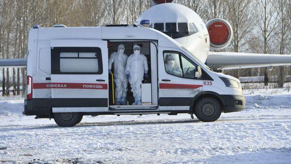 Una ambulancia especial rusa para pacientes con coronavirus - Sputnik Mundo